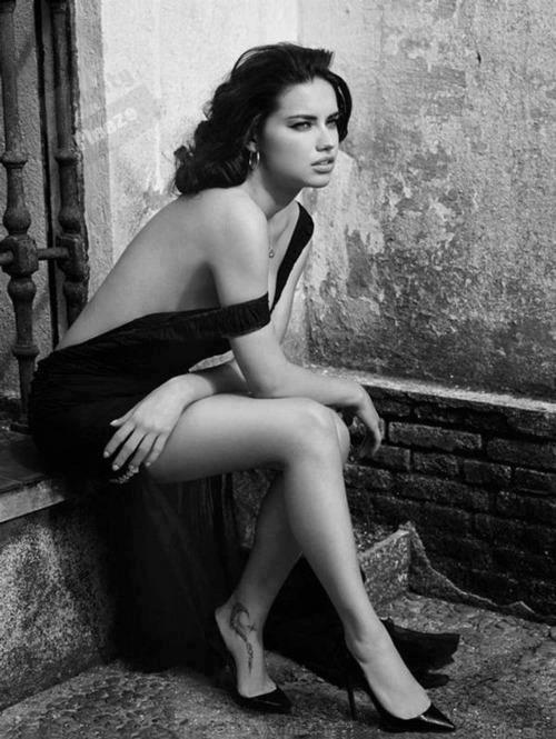 Adriana Lima; foto da Rede