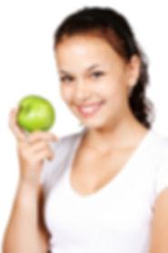 Masticar manzanas es sano para tus dientes - clínica dental global