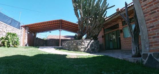 Frnt house garden