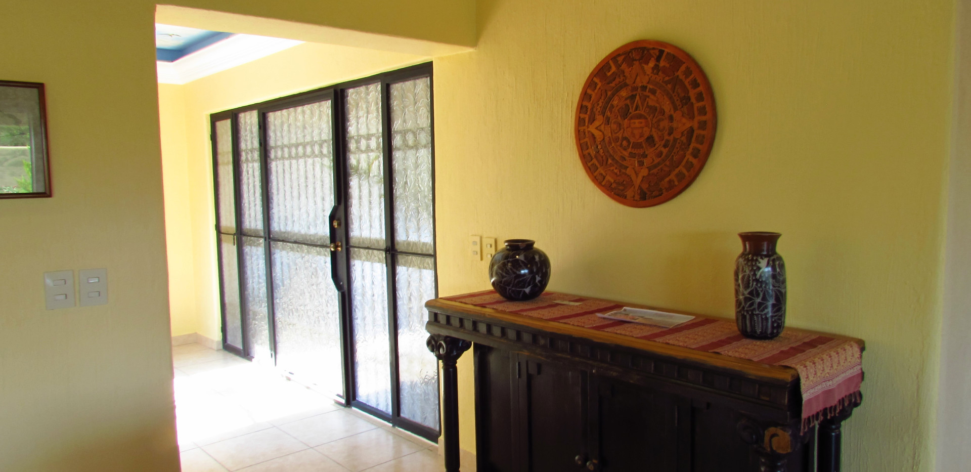 Entrance and 2 bedroom hallway