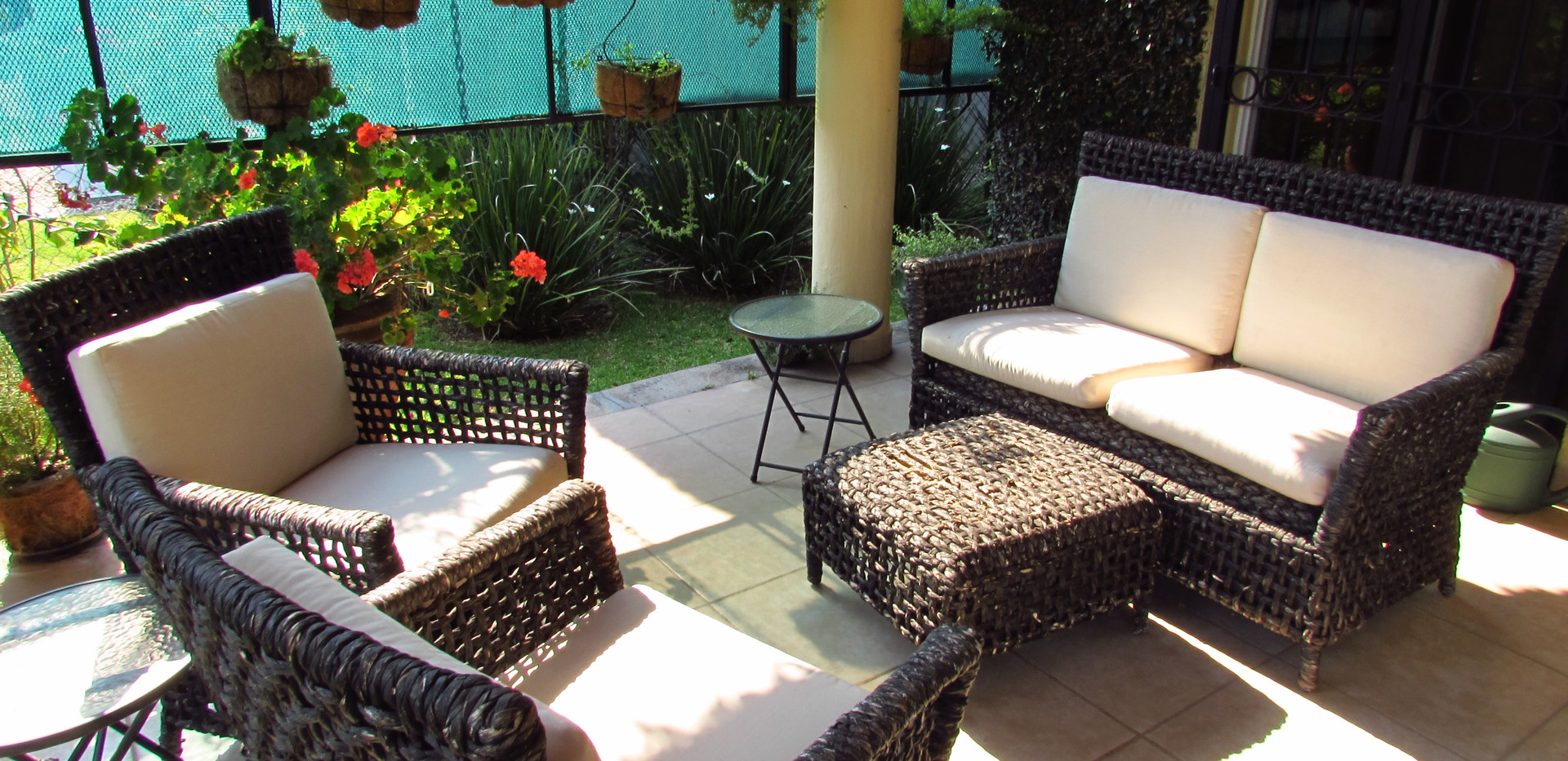 Outdoor loungin area