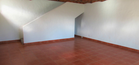 Extra unfurnished room