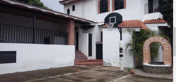 Basketball ourt