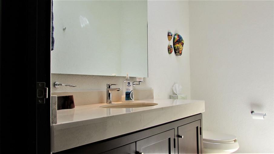 Service bathroom.JPG