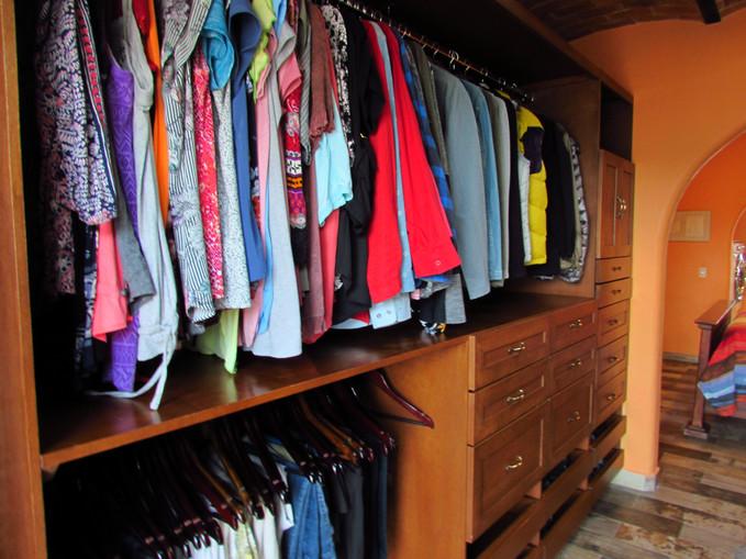 Master room Walk-in closet