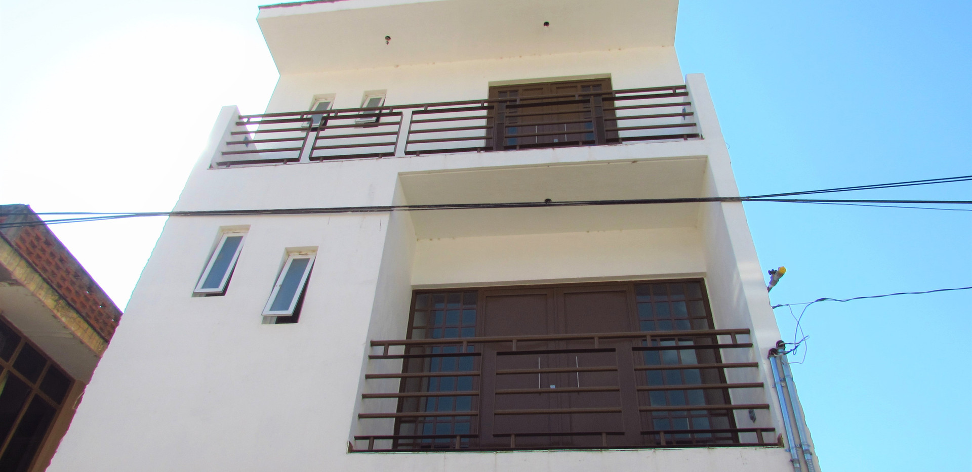 2 upper floors