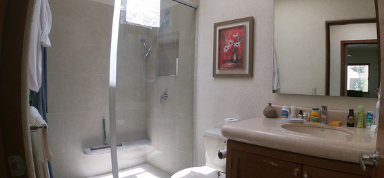 Master room bathroom