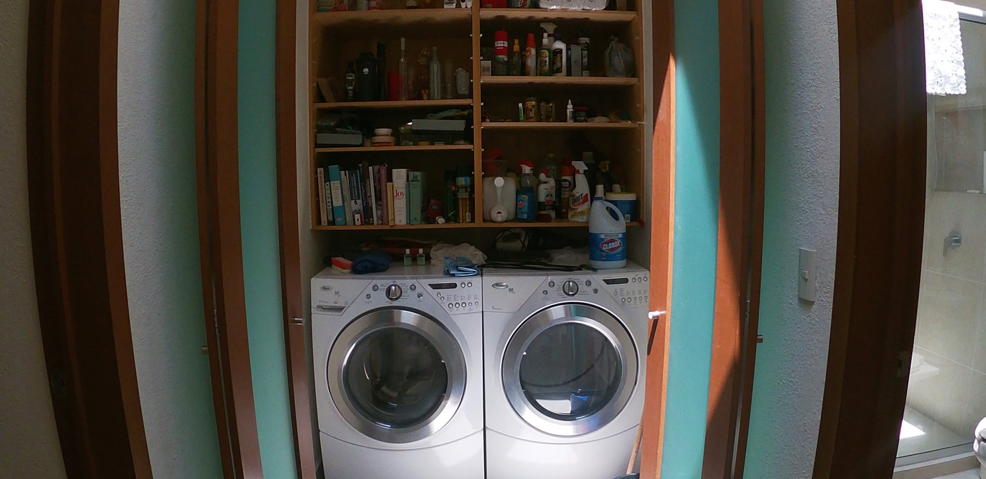 Launfry with appliances