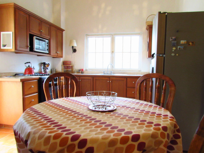 CAsita- Kitchen and dining area