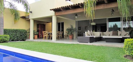 Terrace, Yard and swimming pool