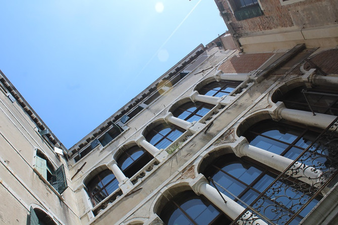 MBA @ POINTS of Contact Meeting point for architects in the Palazzo Contarini in Venice
