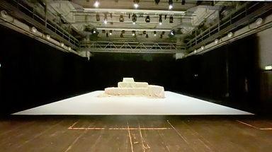 Ivana Müller - Fäden - empty stage.jpg