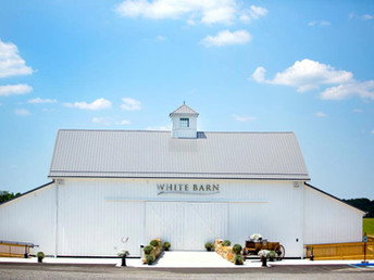 Reasons to Consider having a Barn Wedding over a Traditional Indoor Wedding