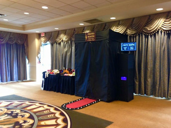 Why to Choose an Enclosed Photo Booth for Your Next Event