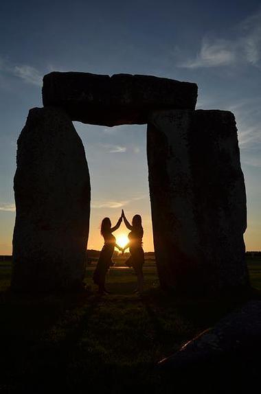 stone henge, women, travel