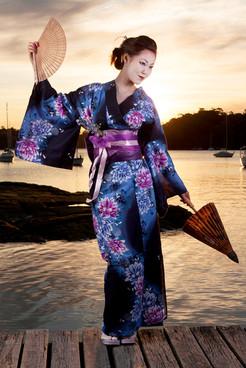 Geisha at Sunset on Lake