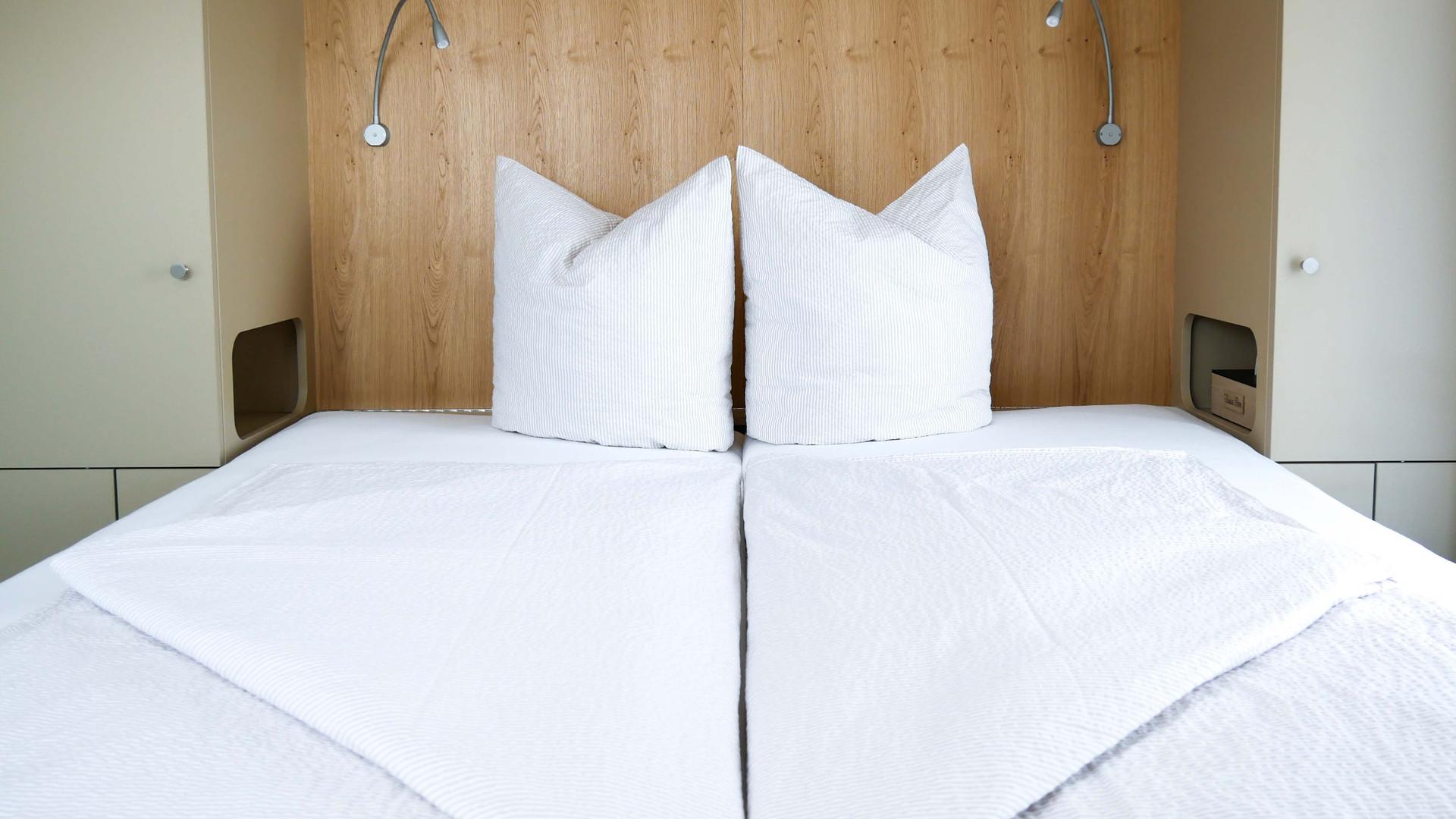 Room5 - Bett