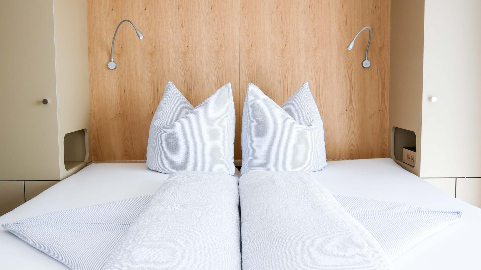 Room4 - Bett