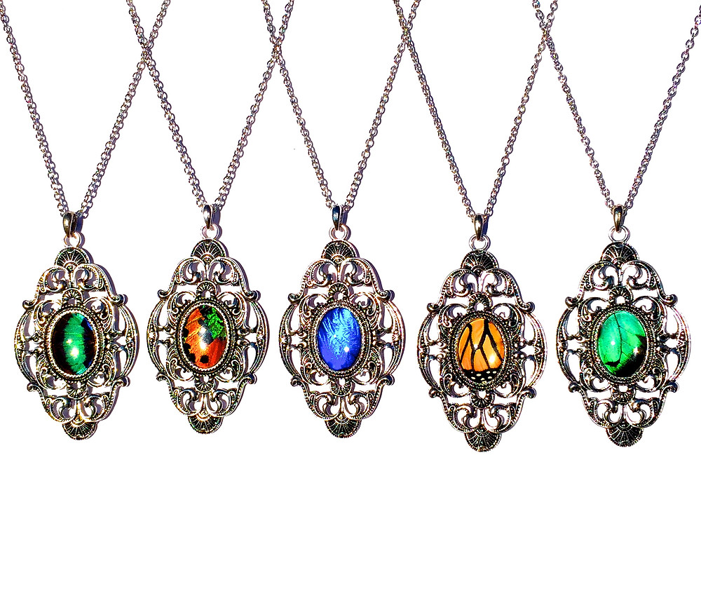 Necklaces included in the GBK 2015 MTV Movie Awards Celebrity Gift Bags