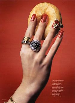 Monica Sagrera 5-Derecha Donut anillos