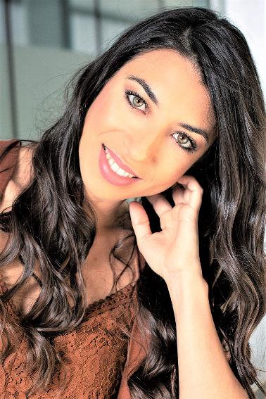 Lidia Peralta 6-Pelo
