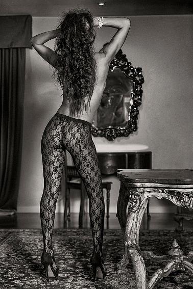 Claudine Ibarra 5- piernas