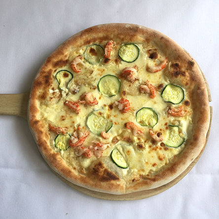 Courgette and Crayfish pizza for your lu