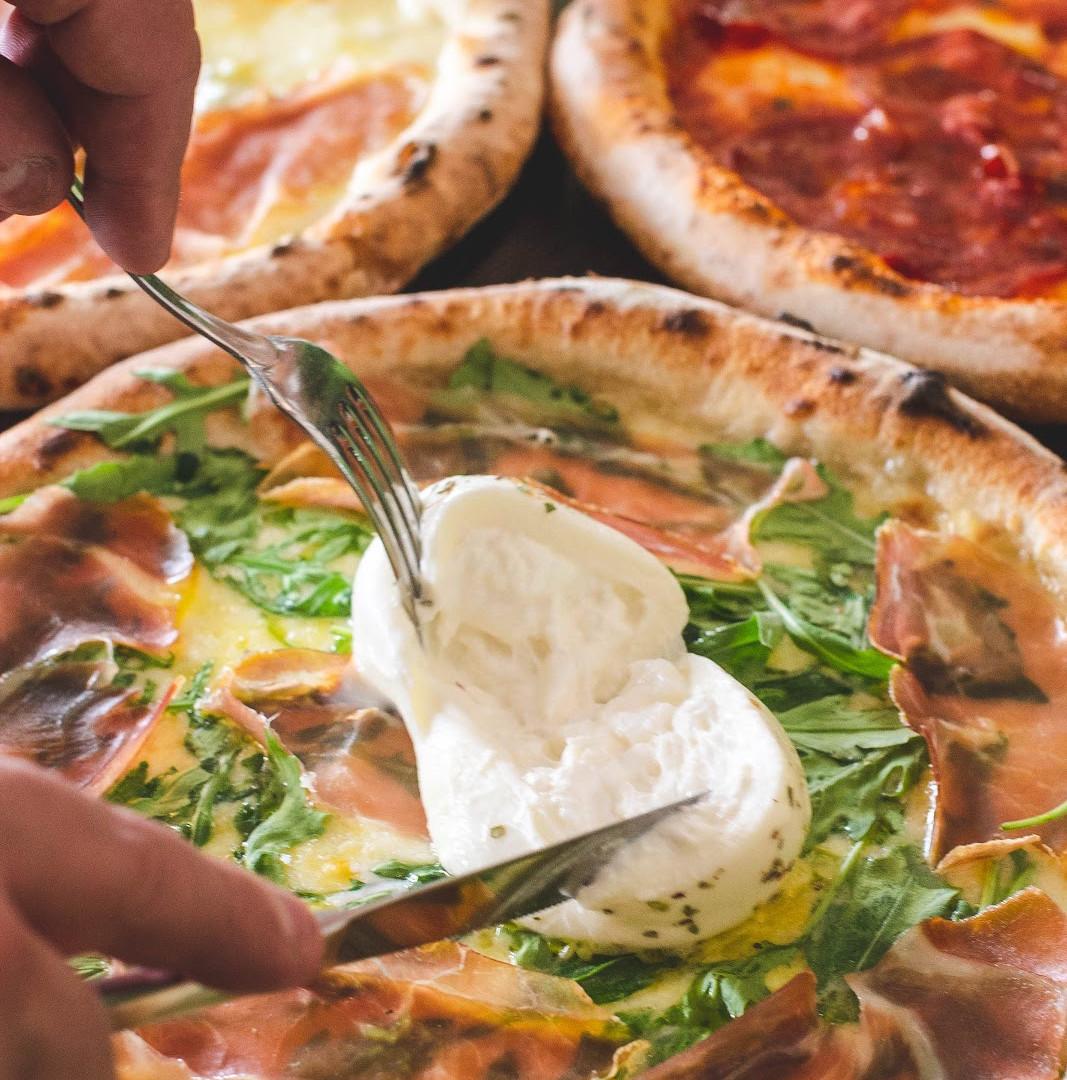 burrata pizza.jpg