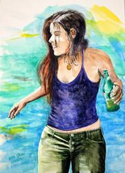 נערה עם בירה בים