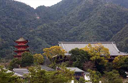 Five-storied Pagoda and Senjyokaku