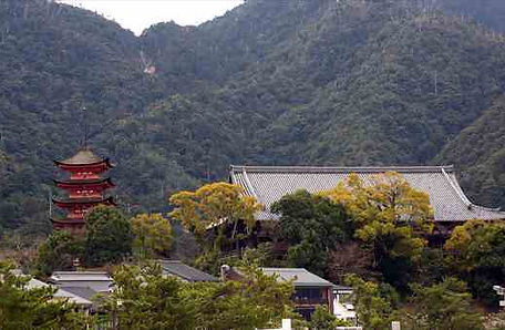 Five-storied Pagoda and Senjyokaku
