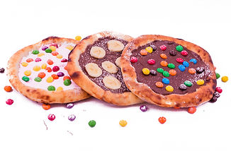 Sweet pizza with marshmallow sauce and c
