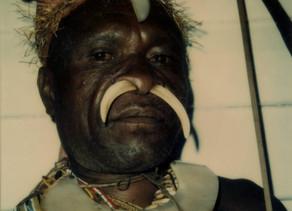 Дэвид Бейли и папуасы