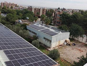 لوحات-الطاقة-الشمسية-في-جامعة-اليرموك.jpg