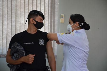 Vacinação em Fortaleza(Profissionais- da Saúde-Idosos- Forças de Segurança) - 11/04/2021