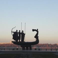 Kiev Monumento ai fondatori della città
