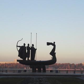 Monumento ai fondatori di Kiev