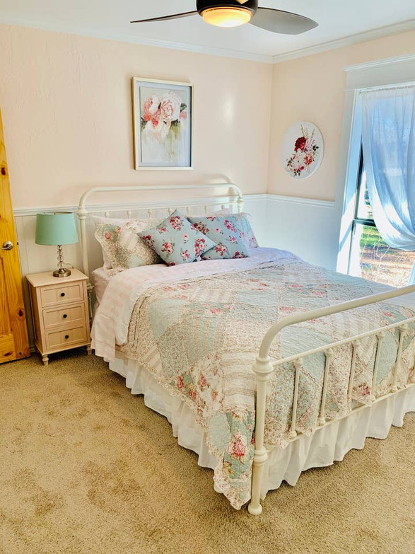 Adorable shabby chic room