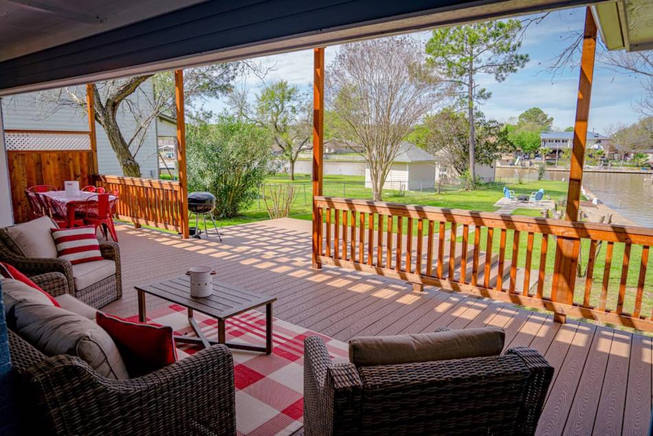 Beautiful outdoor lounge area overlooking the lake