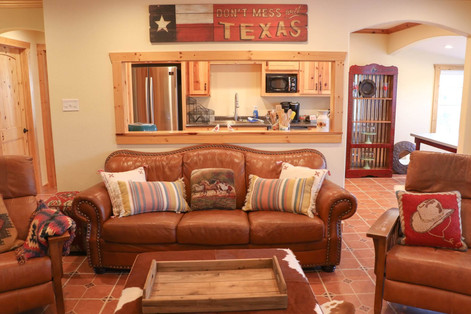 Lone Star Lodge - Living Room