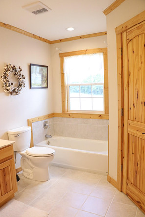 Lone Star Lodge - Master Bathroom 2