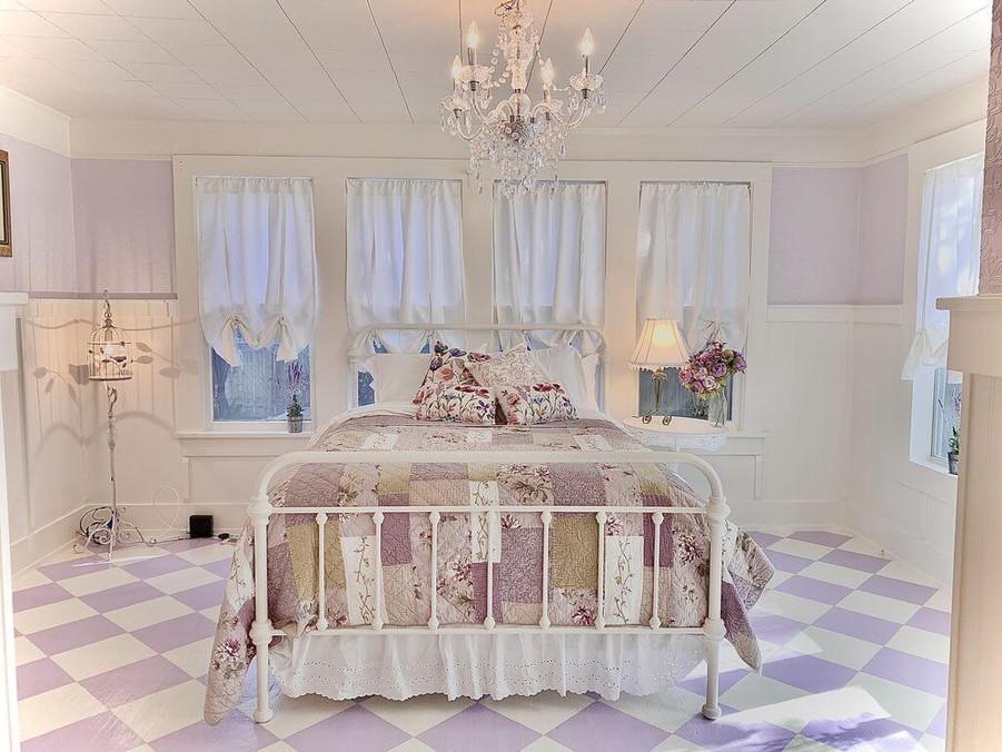 Lavender room - Vintage Rose Cottage - Event House - Stephenville, Texas