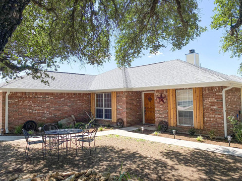 Lone Star Lodge - Stephenville, TX