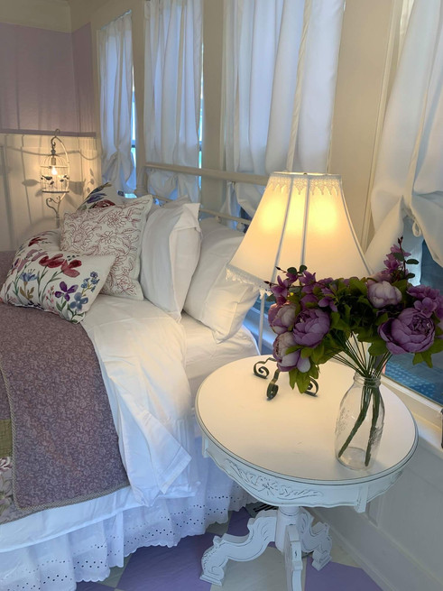 lavender room flowers - Vintage Rose Cottage - Event House - Stephenville, Texas