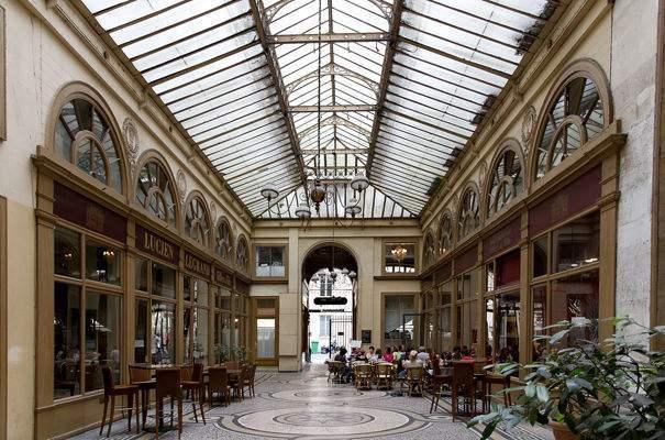 Découverte des plus beaux passages couverts parisiens