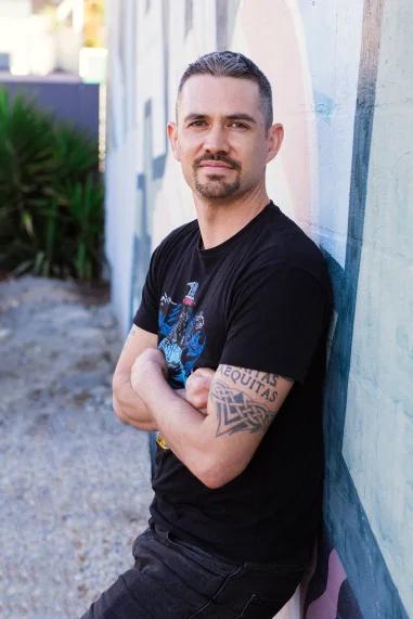 Author Damien Linnane