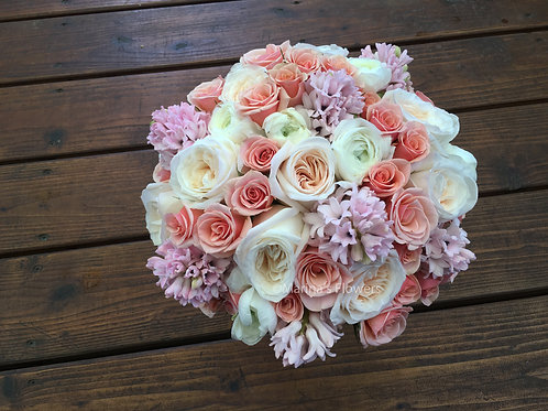 Soft-toned Bridal Bouquet