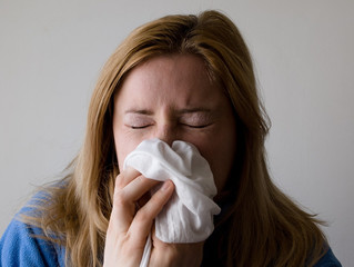 Is It Allergic Rhinitis or Just a Cold? Learn to Read the Signs