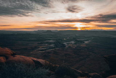 Sunset in Canyonlands national park viewpoint
