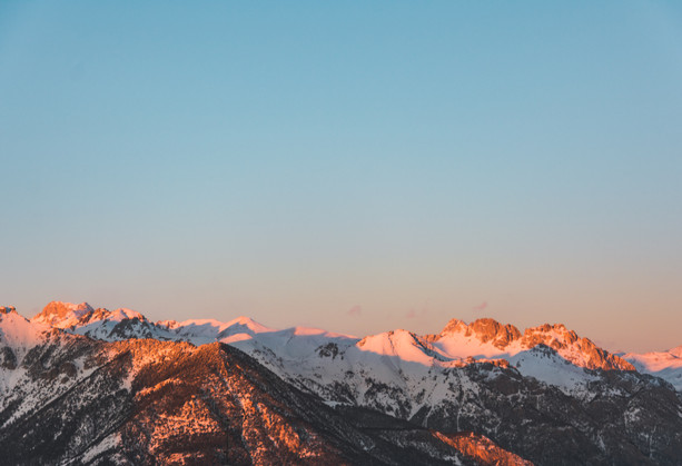 sunrise photo of alps in France Risoul